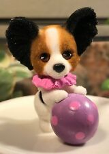 Puppy in My Pocket Series 9: Tri-Color Papillon, Trainer