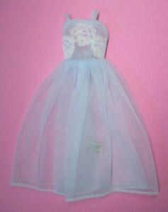 AUCTION Vintage BARBIE - SLEEPING PRETTY #1636 > Light Blue Nightgown