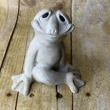 Quarry Critters Fritzi Frog Seductive Soapstone FLAW 2001
