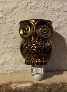 "Bronze  Glazed Ceramic Owl Lamp 5.5 "" H 5""W Light up plug in Warmer Switching"