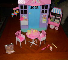 2002 Mattel Barbie Happy Birthday Playset With Light Up Candle and Song With Box