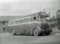 PHOTO London Transport Leyland Tiger FEC Class TF TF17 FJJ618 at Hertford 1950