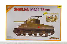 Cyber Hobby 9102 1/35 Sherman M4A4 75mm with DS Track and US Tank Crew