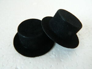 (M4.22) 1/12th scale DOLLS HOUSE PAIR OF PLASTIC HATS