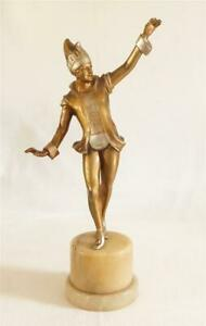 GOOD SIZED ORIGINAL ART DECO SPELTER FIGURE OF A JESTER ON A MARBLE BASE