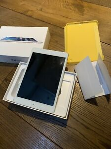 Apple iPad mini 2 128GB, Wi-Fi, 7.9in - Silver