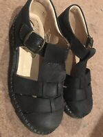 Clarks Shoes Sandals 13.5G Black Leather. Worn Once