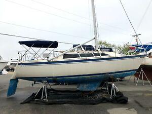 1986 Oday 272 sailboat CLASSIC PLASTIC