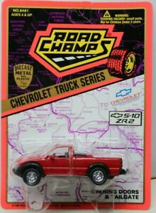 ROAD CHAMPS - CHEVROLET S-10 ZR2 PICKUP - RED - 1/43rd SCALE - BLISTER CARDED