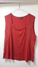 Jacqui E red top size XL
