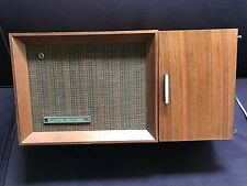 1969 Panasonic RE-7487 Solid State AM/FM 10-Transistor Table Radio Wood Cabinet