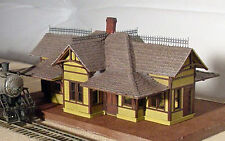 TOMAHAWK STATION HO Model Railroad Structure Unpainted Wood Laser  Kit GMTSH