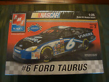 AMT ERTL NASCAR FORD TAURUS #6 1:25 Official VIAGRA Model Car kit set Sealed NEW