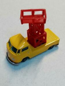 Vintage VW 1:64  HUSKY  AIRPORT  LIFT  truck  OF  single cab....RARE VERY CLEAN