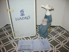 Vtg Lladro Time To Sew Nun Blue Retired in Original Box Mint #5501 Embroidering