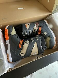 DC Mutiny Lace Up Snowboard Boots, Mens Size 10.5, Camo New 2021