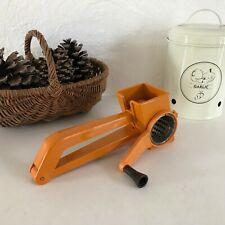 ♦ Ancienne Râpe à Fromage Mouli Grater Vintage Orange Made In France
