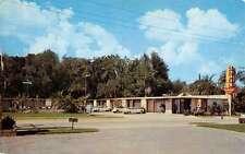Leesburg Florida Crossroads Motel Vintage Postcard K58477