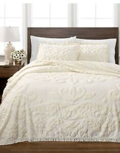 Martha Stewart Collection Chenille Medallion Queen Bedspread 100% Cotton Ivory