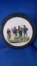 ancienne assiette montereau lm&c faience peinte epoque XIXe mariage moyen age