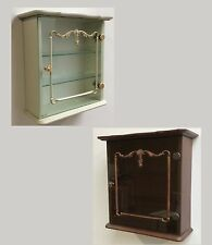 Möbel im Antik-Stil aus matt lackierten MDF -/Spanplatten fürs Wohnzimmer