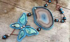 Collier, Halskette, Lange Halskette aus Perlen mit Achat und Schmetterling