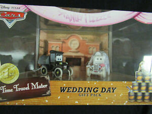 Disney Pixar Cars Time Travel Mater : Lizzie & Stanley Wedding Day Gift Pack