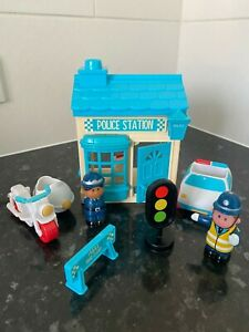 ELC Happyland Police Station with Car, Bike and 2 Police Figures