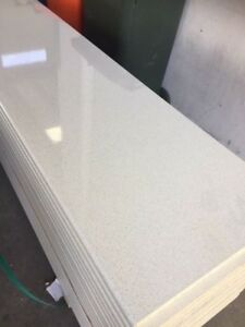 Gelsomino - Gloss Finish - NEW laminate benchtop 3600x600x33mm with rolled edge