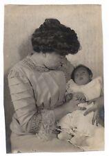 PHOTO ANCIENNE Bébé Mère 1910 Costume Robe Enfant Femme Layette Nouveau né