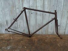 Vélo ancien, Cadre de vélo randonneuse, ancien stock roues 650B