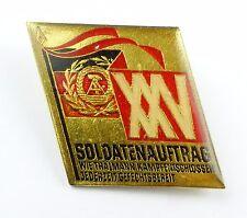 #e5843 DDR Anstecknadel / Abzeichen 25 Jahre Soldatenauftrag