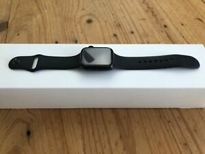Apple Watch Series 4 Black Stainless 44mm silicone strap in excellent condition