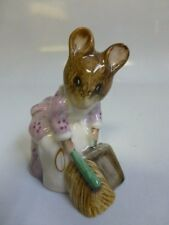 Beatrix Potter Hunca Munca Sweeping Beswick Figurine BP-3c