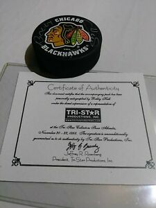 BOBBY HULL #9 HOF 1983 AUTOGRAPHED-SIGNED BLACKHAWKS PUCK WITH COA