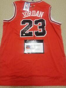 Michael jordan hand Signed Chicago bulls jersey with COA
