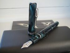 Visconti Voyager deep green 14kt Au Fine nib fountain pen MIB