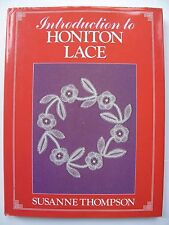Introducción a Honiton Encaje escrito por Susanne Thompson