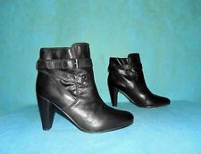 bottines boots IKKS en cuir noir p 39 fr très bon état
