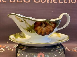 William Sonoma Harvest Pumpkin Gravy Boat w/Saucer Underplate EUC Thanksgiving