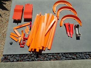 Hotwheel redline Track Hot Wheels Vintage 1968 Orange Track 45 pieces Curves