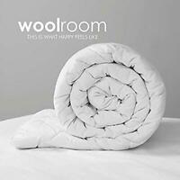 WOOLROOM Natural Hypoallergenic Temperature Regulating British Wool Duvet with