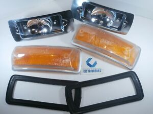 1968-1972 VW BUS FRONT TURN SIGNAL LENS SEALS & BULB HOLDER KIT AMBER