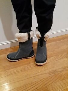 SOREL Womens Pull-On Snow Boots Jane Grey, Natural  Size 8.0 EUR 40 (1394337)