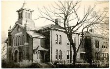 B7301 Public School, Independence IA - Old Black & White Postcard Publ. Artvue