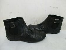 CLARKS ARTISAN Black Leather Zip Ankle Boots Size 6 M Style 26102323