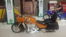Motorcycle Low Rider 1:18 Showcasts orange Diecast Metal & other material