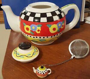 "Floral Ceramic Teapot with ""Strainer"" for bulk tea"