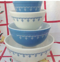 Pyrex Snowflake Garland 401 402 403 404 Bowl Set Blue Floral Glass Mixing Vtg