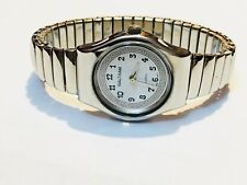 Vintage Waltham Silver Tone Quartz Ladies Wrist Watch (038LAX96)
